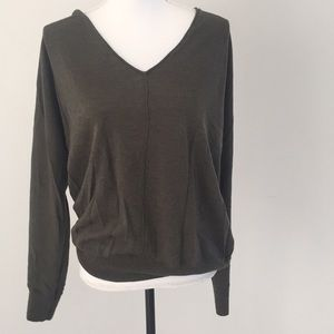 Gap v neck sweater large green